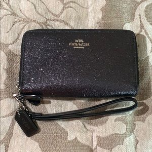 NWT Coach Wristlet in Black/Graphite Sparkle